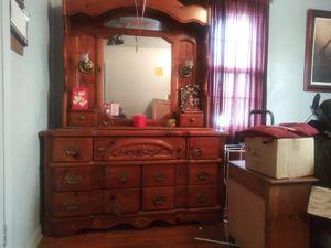 Dresser for Sale in Nashville, TN
