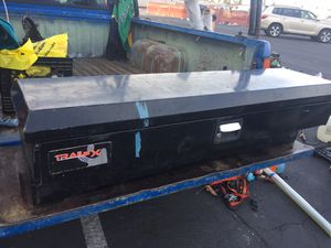 TRUCK SIDE TOOLS BOX GOOD CONDITION for Sale in Perris, CA