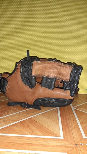 FRANKLIN RTP PRO YOUTH BASEBALL GLOVE for Sale in The Bronx, NY