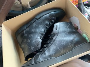 Louis Vuitton shoes for Sale in Ellenwood, GA