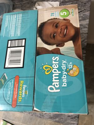 box of size 5 diapers for Sale in Orlando, FL