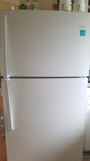 Whirlpool refrigerator for Sale in Downey, CA