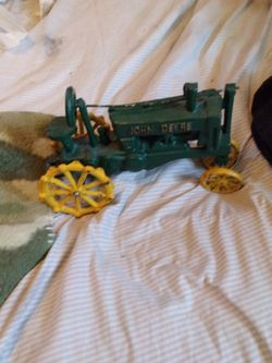 Vintage John Deer Trator for Sale in Greenville,  SC