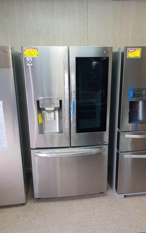 Brand New LG Knock Knock INSTAVIEW French Door Refrigerator With SHOWCASE Door for Sale in Moyock, NC