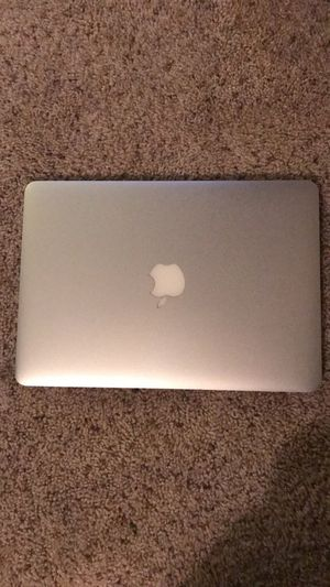 2015 MacBook Pro (For Parts Only= PRODUCT DOES NOT WORK!) for Sale in Silver Spring, MD
