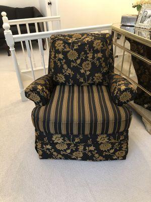 Kincaid Arm Chair for Sale in UPPR Saint CLAIR, PA