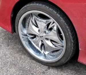 20 inch Dub chrome rims for Sale in Cleveland, OH