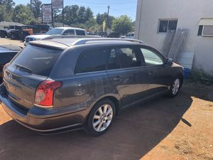 Toyota avensis. Same as camry 5 speed for Sale in Spartanburg, SC