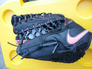 Nike lefty baseball GLOVE for Sale in West Covina, CA