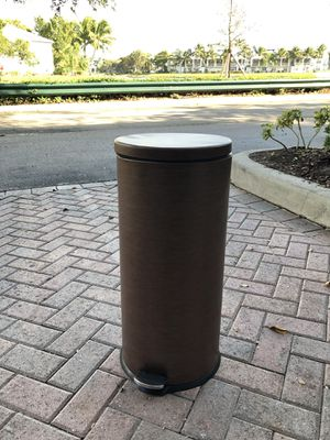 Step-on Trash bin (can) really nice Copper Metal for Sale in Fort Lauderdale, FL