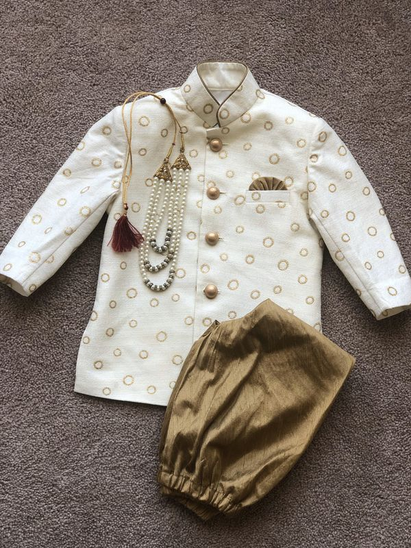 Indian/ Pakistani outfit