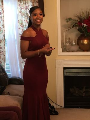 Maroon Prom Dress Size 2 for Sale in Anderson, SC