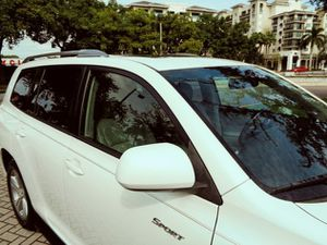 fWd2OO8/ToyotaHighlander/white for Sale in Tampa, FL