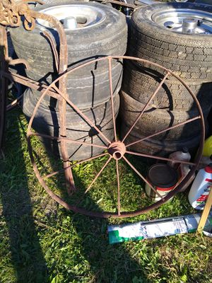 Antique wheel for Sale in Hannibal, MO