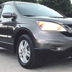 2010 HONDA CRV SPACIOUS W/ BIG TRUNK for Sale in Cuyahoga Heights, OH