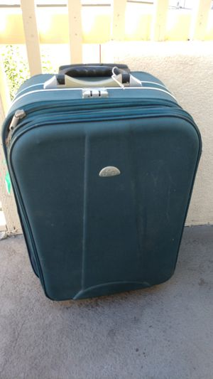 Lanza suitcase for Sale in Tracy, CA