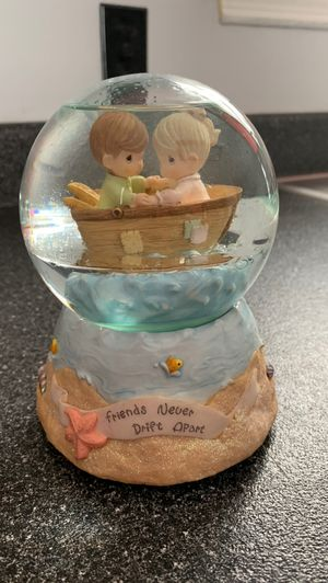 """Precious Moments """"That's What Friends Are For"""" Water Ball for Sale in La Vergne, TN"""