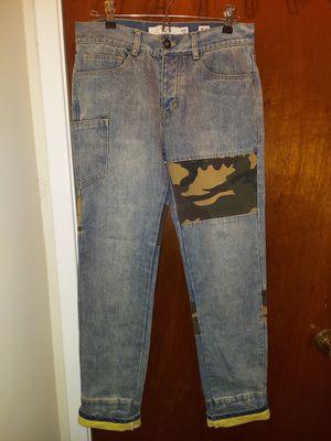 C2h4 Men's Jeans Camo for Sale in Rockville, MD