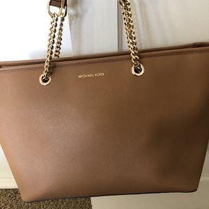 Michael Kors Large Tote Bag Can Fit A Lap Top New Without Tag for Sale in Spring Valley, CA