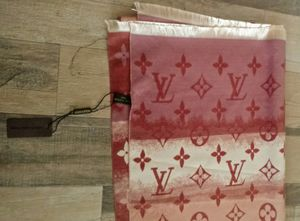 Louis Vuitton reversible scarf for Sale in Lanham, MD