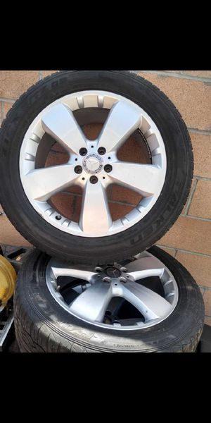 Mercedes benz Tires 2011 225/50R19 107V for Sale in Anaheim, CA