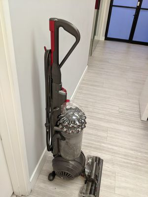 Dyson vacuum (used) for Sale in Los Angeles, CA