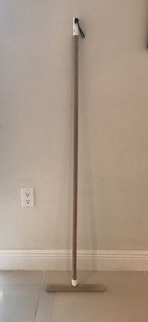 Floor Cleaning Pole / Palo para limpiar pisos for Sale in Ives Estates, FL