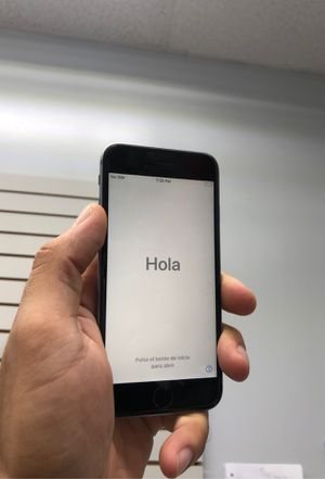 iPhone 6s factory unlocked/ all carriers for Sale in Bellaire, TX
