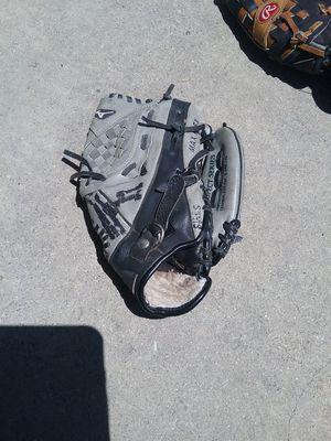 Mizuno Baseball GLOVE for Sale in Industry, CA