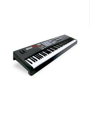 AKAI MPK 88 Professional Keyboard for Sale in Washington, DC