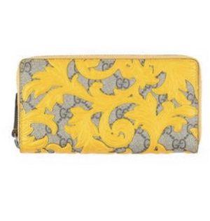 Yellow Gucci wallet for Sale in Phoenix, AZ