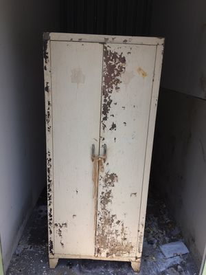 Vintage Metal Cabinet for Sale in Midlothian, VA