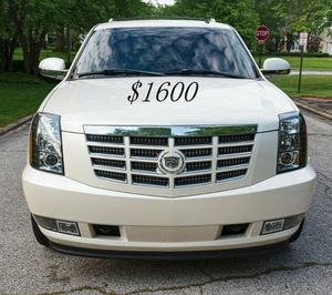 🍀I sell👍my🆕family🍀Suv $1,600🍀2008 Cadillac🍀 for Sale in Long Beach, CA