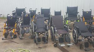 Sillas de ruedas lote de 11 3grandes 3 medianas y 5chicas 3 son reclinables for Sale in Dallas, TX