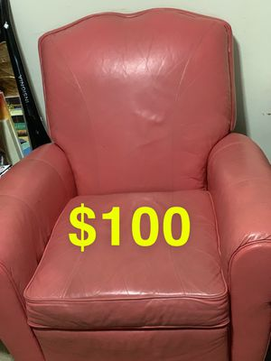 Recliner,wall hanging,wall hanging paintings must go ASAP can be negotiable for Sale in Falls Church, VA