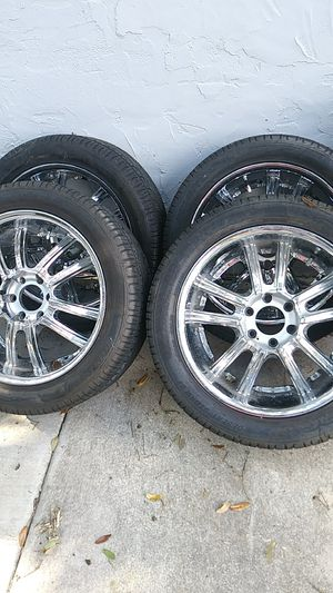 6 lugs chrome rims and tires. for Sale in Clermont, FL