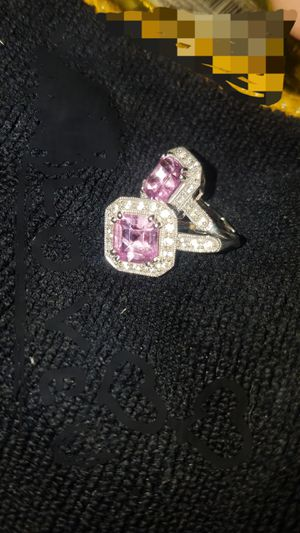 """Pair of immaculate earrings 14 k white gold completing with 20 natural gen 1 natural diamonds surrounding 1.2karat """"pink diamond"""" for Sale in Phoenix, AZ"""