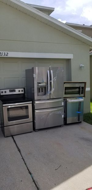 Stainless steel appliance package for Sale in Lutz, FL