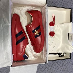 Gucci Ave Sneakers Men size 9 for Sale in Brooklyn, NY