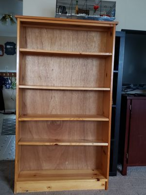 Pine Bookshelf for Sale in Puyallup, WA