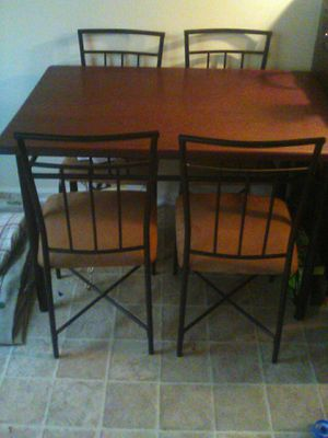 Kitchen table and 4 chairs for Sale in Lexington, KY