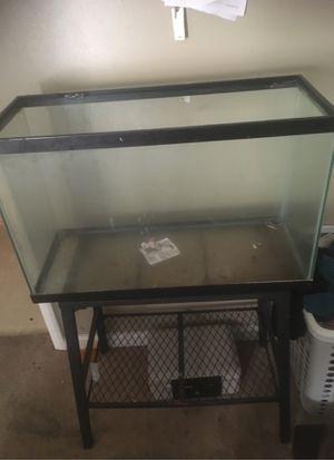 30 inch reptile tank for Sale in Stonecrest, GA