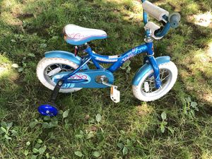 Kids bike with training wheels for Sale in Tigard, OR