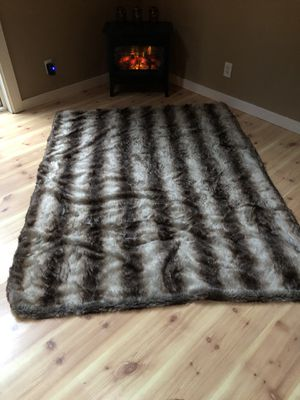 Faux fur throw blanket for Sale in Gig Harbor, WA