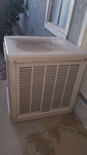 Swamp cooler for Sale in Fontana, CA