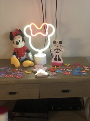 Minnie Mouse Bundle (Melissa and Doug Magnetic Dress up Dolls, Stuffed Minnie Mouse and Minnie Mouse LED light) for Sale in Hermitage, TN