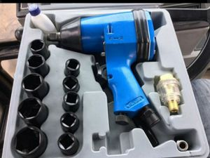 UNUSED 1/2IN SOCKET DRIVE AIR IMPACT WRENCH for Sale in Riverside, CA