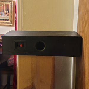 Polk Center Channel Speaker, used for Sale in The Bronx, NY