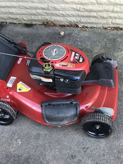 Craftsman Self Propelled Lawn Mower for Sale in Alexandria,  VA