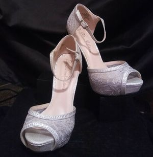 Women's size 6 Lace Grey High Heels for Sale in West Valley City, UT